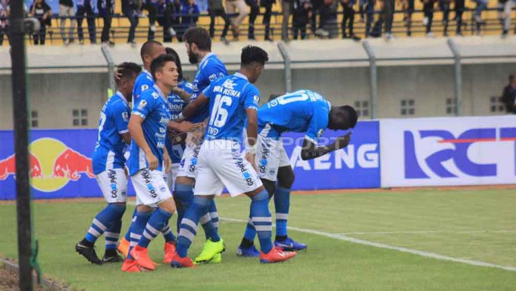 Image Result For Borneo Fc Vs Persib Bandung