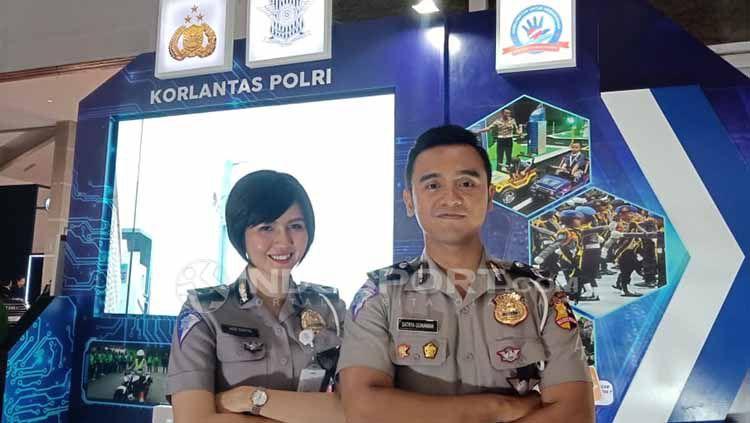 Para polisi yang menjaga Aksi 22 Mei 2019 di Jakarta ternyata punya tips untuk menjaga kebugaran tubuh. Copyright: © Shintya Anya Maharani/INDOSPORT