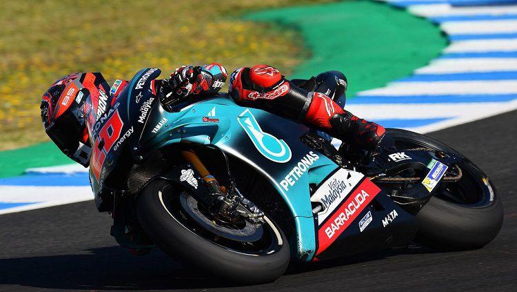 Pembalap muda asal Italia, Fabio Quartararo kembali torehkan hasil positif di FP3 MotoGP Inggris 2019 dengan menjadi yang terdepan. Copyright: © @sophia_wrc
