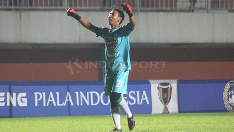PSS Sleman lolos ke semifinal Piala Menpora usai menyingkirkan Bali United 4-2 di semifinal. Kiper Ega Rizky jadi pahlawan Super Elja berkat penampilan apiknya. Copyright: © Ronald Seger Prabowo/INDOSPORT