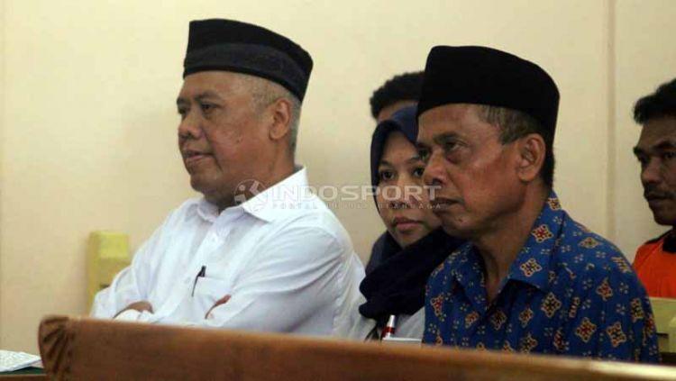 Sidang kedua kasus mafia bola, Lasmi dkk dapat dukungan dari suporter Persibara. Foto: Ronald Seger Prabowo/INDOSPORT Copyright: © Ronald Seger Prabowo/INDOSPORT