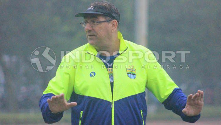Pelatih Persib Bandung, Robert Rene Alberts Copyright: © Arif Rahman/INDOSPORT