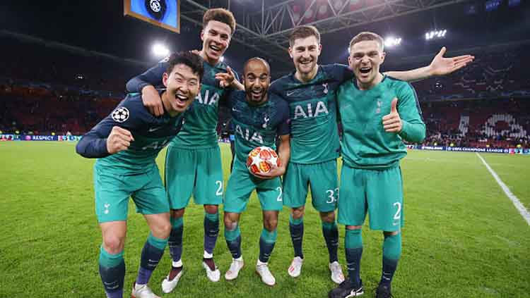 Selebrasi para pemain Tottenham Hotspur saat memastikan diri ke final Liga Champions 2018-19. Copyright: © Tottenham Hotspur/GettyImages