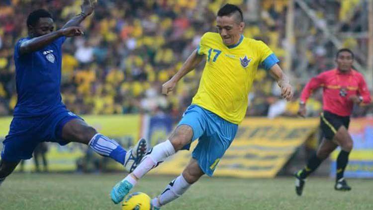 Aldo Barreto Miranda saat berseragam Gresik United. Copyright: © Twitter@Aldo_Barreto17