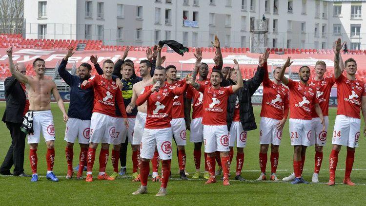 Stade Brestois promosi ke Ligue 1. Copyright: © france3-regions.francetvinfo.fr