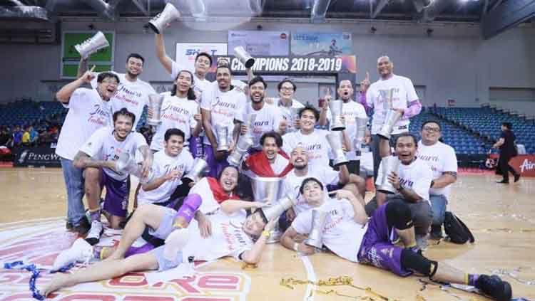 CLS Knights Indonesia berhasil menjuarai ABL 2018-2019. Copyright: © Dok. BTN CLS Knights Indonesia