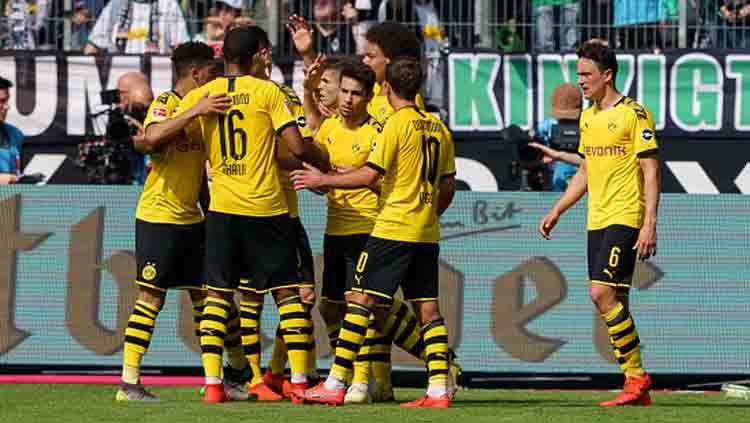 Selebrasi para pemain Borussia Dortmund. Copyright: © TF-Images