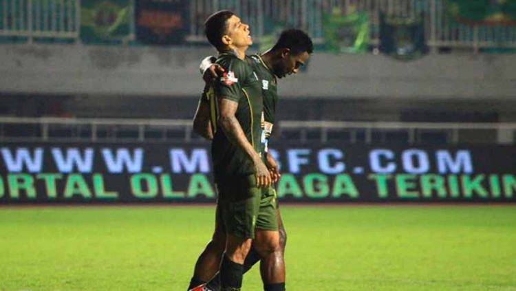 Striker TIRA-Persikabo, Ciro Alves saat laga melawan Perseru Badak Lampung, Sabtu (18/05/19), di Stadion Pakansari. Foto: Instagram@pstni_official Copyright: © Instagram/@pstni_official