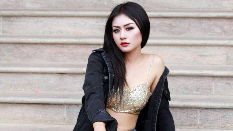 Wida Always, model dan penyanyi asal Bandung yang juga fans Persib Copyright: © instagram.com/wilda_always/