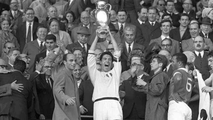 AC Milan saat juara Liga Champions 1963 Copyright: © Andreas Rentz/Bongarts/Getty Images