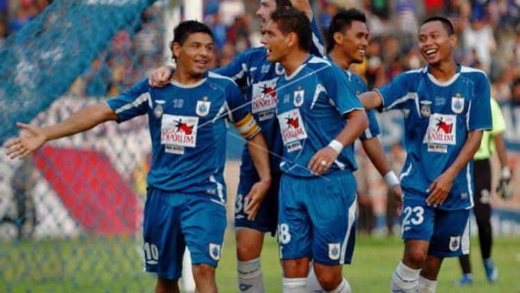 Julio Lopez melakukan selebrasi usai mencetak gol untuk PSIS Semarang di Liga Indonesia Copyright: © antarafoto.com