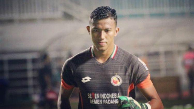 Teja Paku Alam kiper utama Semen Padang di Liga 1 2019. (Foto: instagram.com/tejapakualaam) Copyright: © instagram.com/tejapakualaam