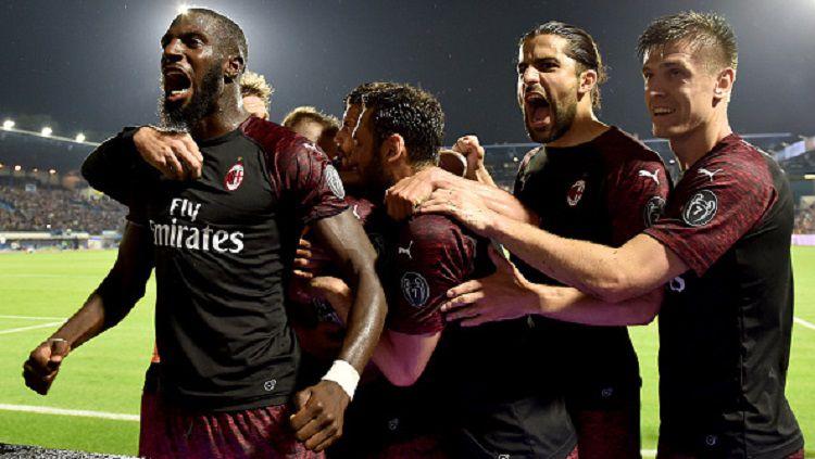 Skuat Milan merayakan gol ke gawang SPAL pada pekan terakhir Serie A Italia, Senin (27/05/19). Copyright: © Tullio M. Puglia/Getty Images