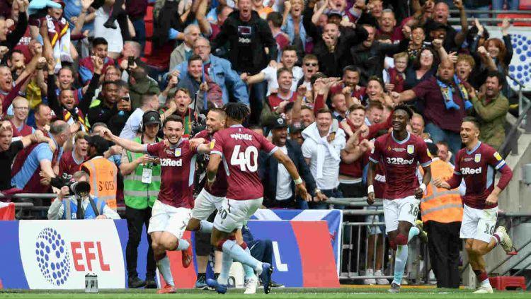 Selebrasi pemain Aston Villa usai cetak gol ke gawang Derby Coutry di final playoff Divisi Championship, Senin (27/05/19). Copyright: © twitter.com/AVFCOfficial