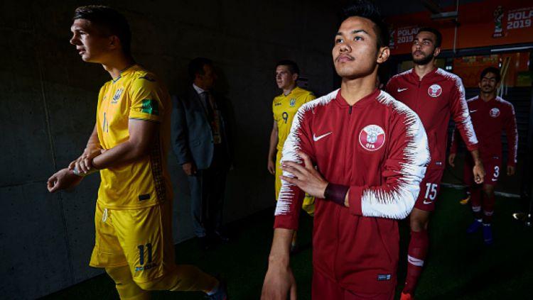 Andri Syahputra (kanan) saat Qatar melawan Ukraina Copyright: © Aitor Alcalde - FIFA / Contributor / Getty Images