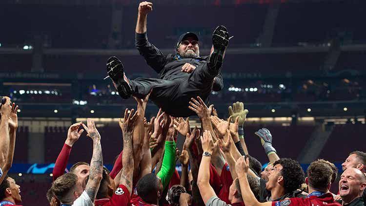 Jurgen Klopp berhasil memenangkan trofi pertamanya untuk Liverpool di ajang Liga Champions. Visionhaus/Getty Images Copyright: © Visionhaus/Getty Images