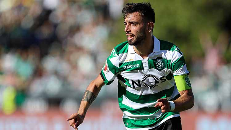 Pemain Sporting CP, Bruno Fernandes pada pertandingan sepak bola antara Sporting CP vs FC Porto di Piala Portugal Placard 2018-2019. Foto: David Martins/SOPA Images/LightRocket via Getty Images Copyright: © David Martins/SOPA Images/LightRocket via Getty Images