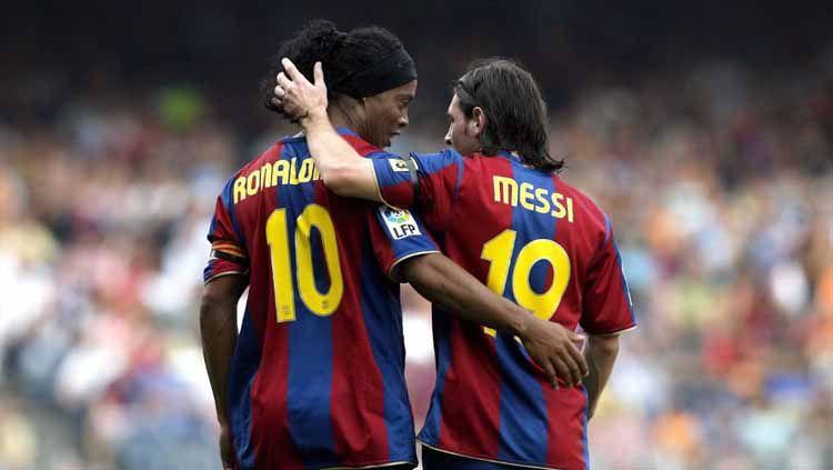Setelah bebas dari penjara, Ronaldinho ingin menjadi tetangga Lionel Messi di Spanyol. Copyright: © squawka
