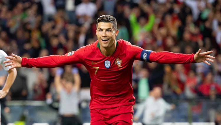 Selebrasi pemain megabintang sekaligus kapten Timnas Portugal, Cristiano Ronaldo. Copyright: © TF-Images/GettyImages