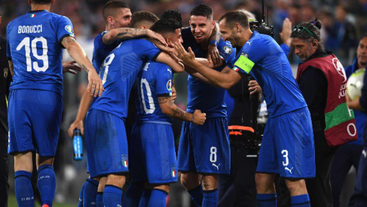 Lorenzo Insigne melakukan selebrasi usai mencetak gol di pertandingan Timnas Italia vs Bosnia di Kualifikasi Euro 2020. (Foto: Claudio Villa/Getty Images) Copyright: © Claudio Villa/Getty Images