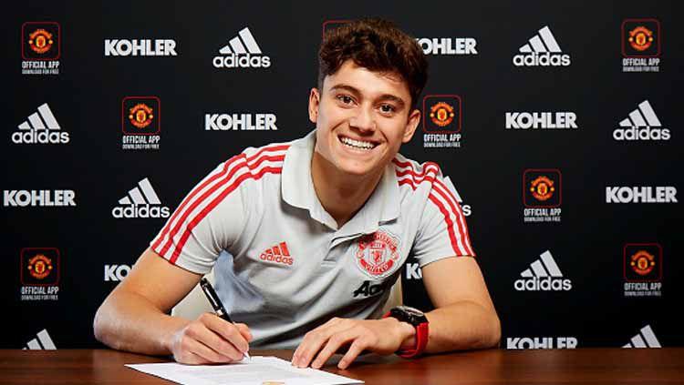 Daniel James menandatangani kontrak selama 5 tahun bersama Manchester United. Copyright: © ManUnited/GettyImages