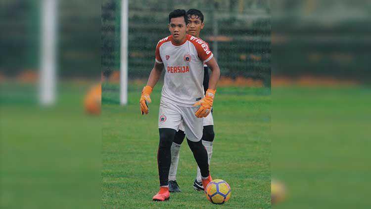 Kiper muda Persija Jakarta, Risky Sudirman mengatakan kondisinya sudah berangsur membaik pasca mengalami cedera saat ikut pemusatan latihan Timnas U-19. Copyright: © riskymuhammads22