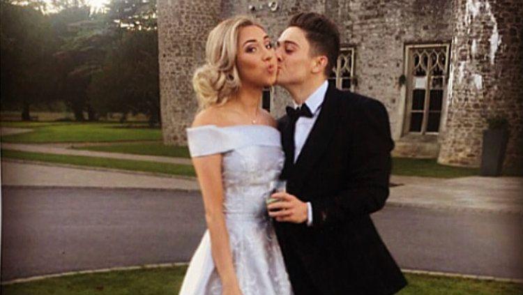 Daniel James bersama sang kekasih, Ria Hughes. Copyright: © Instagram/Daniel James