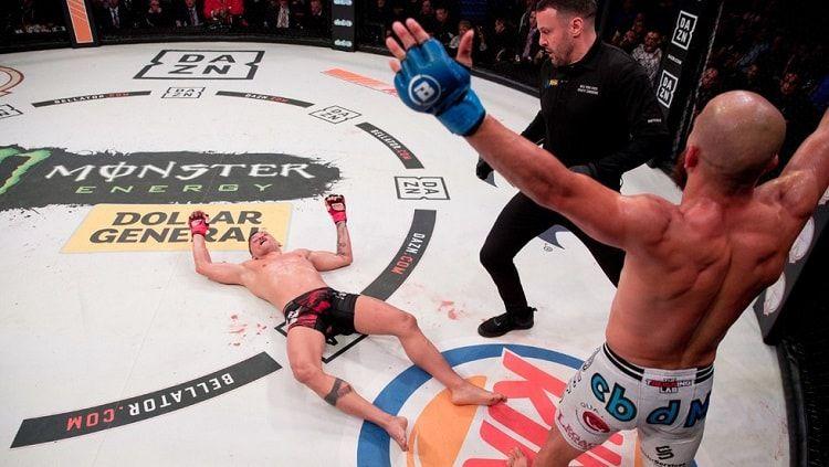 Juan Archuleta mengalahkan lawannya dengan Hook maut di Bellator 222. Copyright: © Bellator MMA