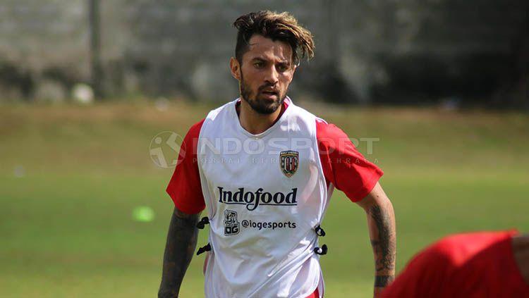 Stefano Lilipaly dalam sesi latihan di Lapangan Trisakti, Legian, Kuta, Badung, Minggu (16/6/2019). Copyright: © Nofik Lukman Hakim/INDOSPORT