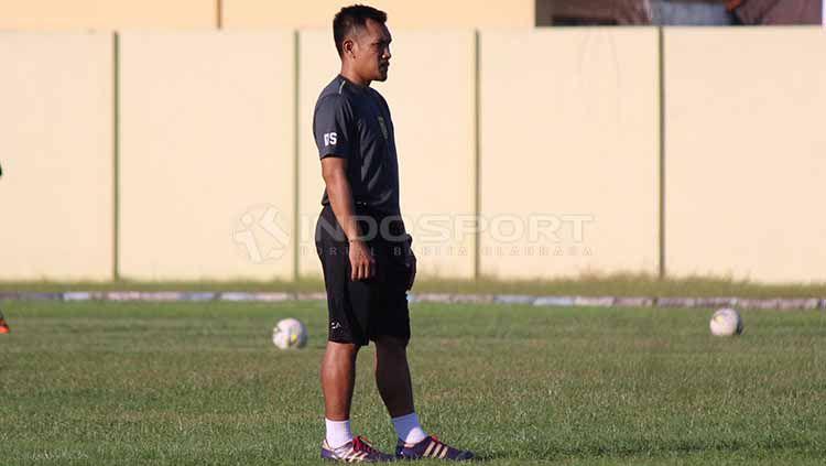 Danang Suryadi resmi menjadi pelatih fisik baru Persebaya Surabaya. Copyright: © Fitra Herdian/INDOSPORT