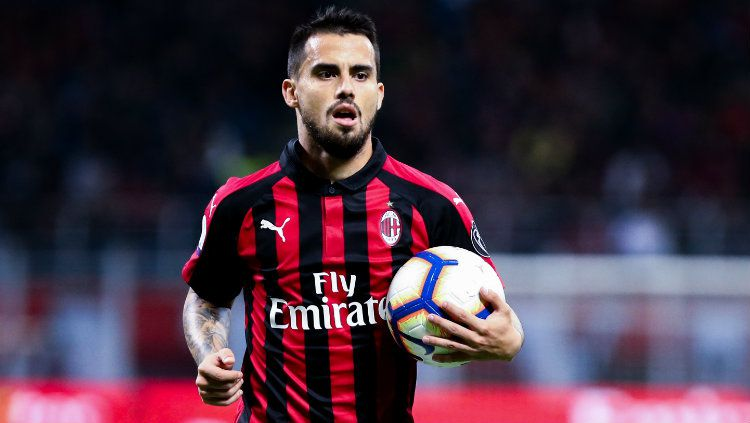 Suso dalam pertandingan AC Milan vs Lazio. Copyright: © Marco Canoniero/LightRocket via Getty Images