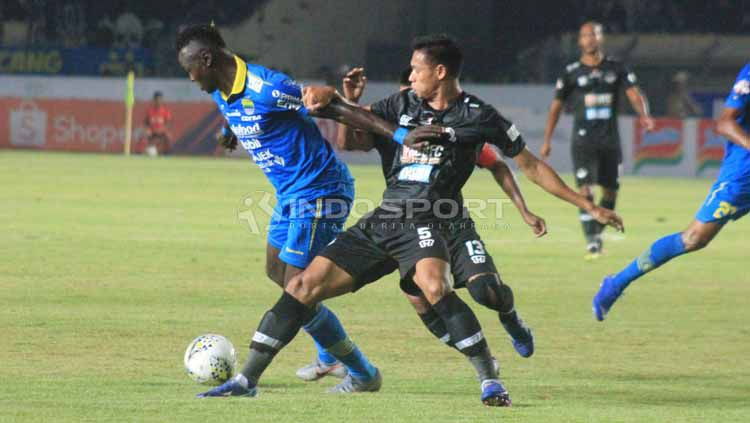 Tampaknya ada perubahan yang cukup signifikan terhadap wajah klub di paruh kedua Liga 1 2019 seperti Persib yang tampil positif, sedangkan Tira Persikabo negatif. Copyright: © Arif Rahman/INDOSPORT