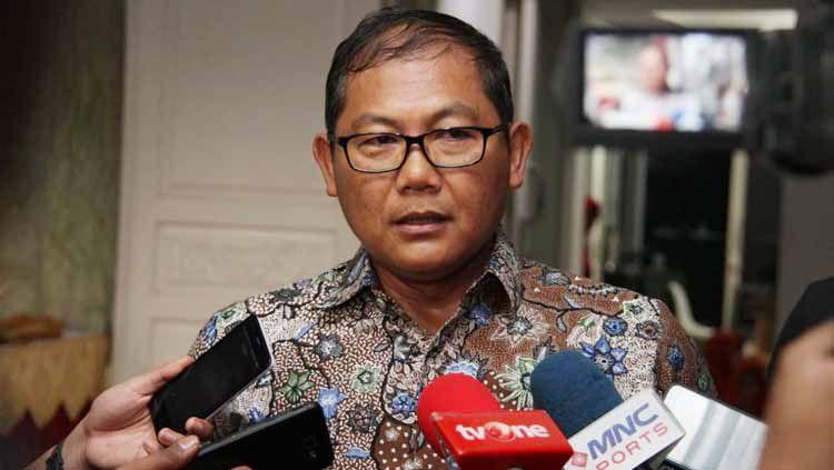 AKBP Sumardji lepas jabatan manajer Bhayangkara FC di Liga 1 2020, sehingga ada isu merger dengan klub Perseru Badak Lampung FC. Copyright: © Humas Bhayangkara FC