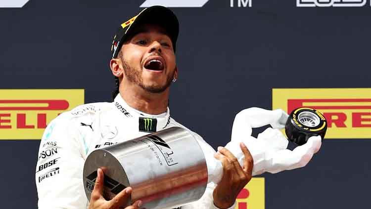 Lewis Hamilton tak peduli dengan kritik yang dilontarkan oleh Nico Rosberg Copyright: © Mark Thompson/Getty Images