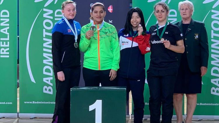 Leani Ratri Oktila meraih medali emas di Ireland Para-Badminton International. Copyright: © Instagram/Leani Ratri Oktila Fanspage