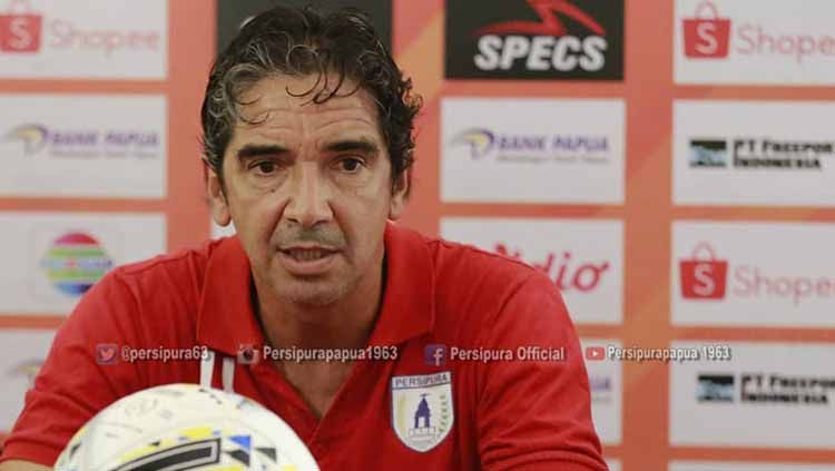 Mantan Pelatih Persipura Jayapura, Luciano Leandro. Foto: Media Officer Persipura Copyright: © Media Officer Persipura