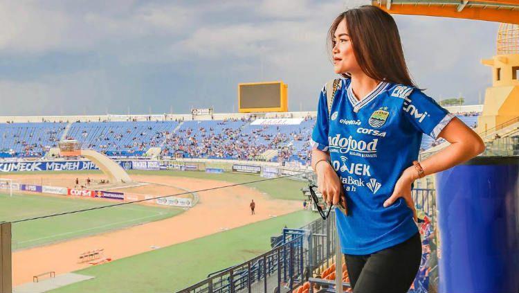 Elisabeth Novia Makalew, kekasih gelandang Persib Bandung Kim Jeffrey Kurniawan Copyright: © instagram.com/elisaanovia/
