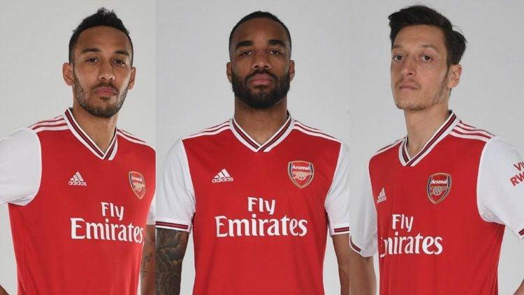 Real Madrid akan menggunakan cara khusus untuk bisa mendapatkan pemain Arsenal, Pierre-Emerick Aubameyang (kiri), demi menggantikan Karim Benzema. Copyright: © Instagram/Arsenal