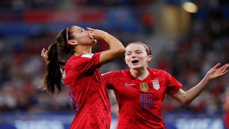 Alex Morgan membantah tuduhan telah melakukan pelecehan kepada Inggris pada babak semifinal Piala Dunia Wanita 2019. Copyright: © Getty Images