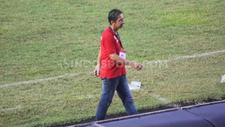 Eks Pelatih Persipura Jayapura, Luciano Leandro mengaku masih percaya kariernya di dunia sepak bola masih bisa bersinar. Copyright: © Sudjarwo/INDOSPORT