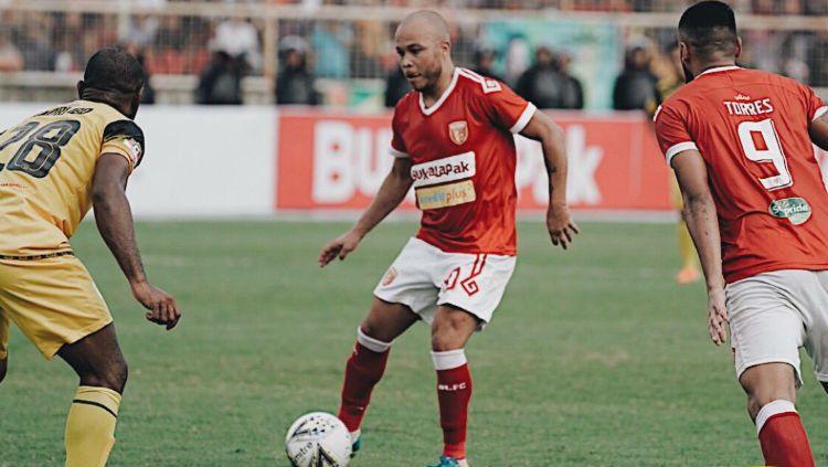 Pemain bintang Shopee Liga 1 2019 pekan ke-26 jatuh kepada pemain asing Perseru Badak Lampung FC asal Brasil, Marquinhos Carioca. Copyright: © Twitter/@badaklampungfc1