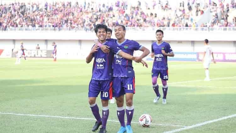 Salah satu striker Persita Tangerang, Aldi Al Achya mengungkapkan rencana untuk merintis usaha di tengah vakumnya Liga 1 karena virus corona. Copyright: © Media Persita