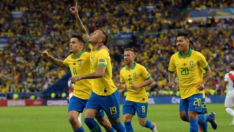 Everton membuka keunggulan Brasil vs Peru di final Copa America 2019, Senin (08/07/19), di Maracana Copyright: © Goal International
