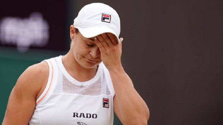 Ashleigh Barty tersingkir di babak 16 besar Wimbledon 2019 Copyright: © Will Oliver/EPA