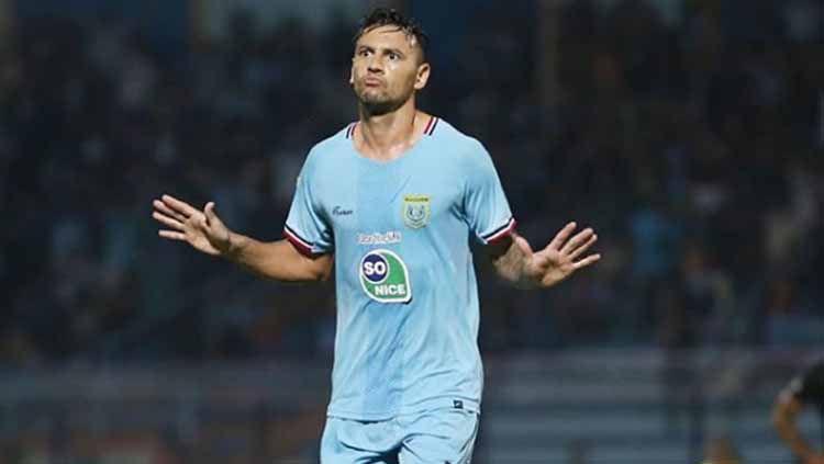 Striker Persela Lamongan Alex dos Santos Goncalves di Liga 1 2019. Foto: Instagram@perselafc Copyright: © Instagram@perselafc