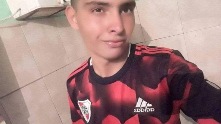 Ramon Ismael Coronel, pemuda yang meninggal sesaat setelah menyelamatkan tendangan penalti di Argentina. Copyright: © The Sun