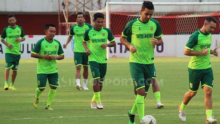Otavio Dutra berharap Persebaya Surabaya bisa mencuri poin saat menantang Arema FC. Copyright: © Fitra Herdian/INDOSPORT