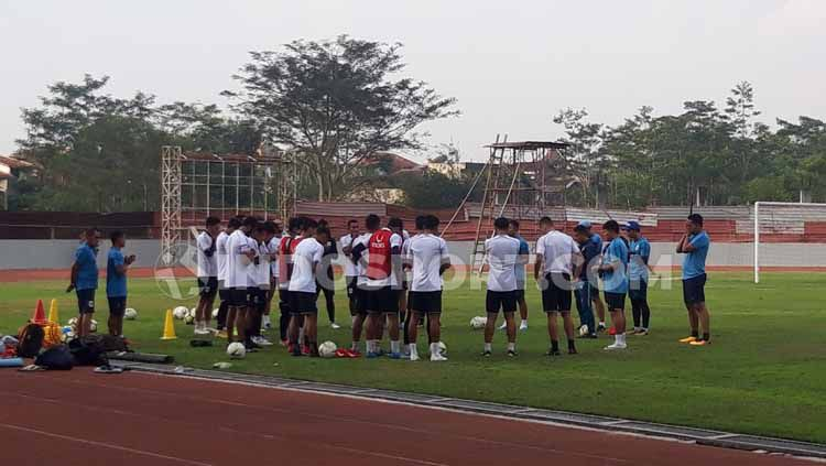 Skuat PSIS kembali menggelar latihan di Stadion Moch Soebroto, Kota Magelang. Copyright: © Alvin Syaptia Pratama/INDOSPORT