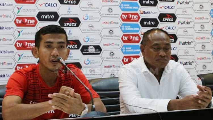 Pelatih Sriwijaya FC, Kas Hartadi, berkomentar usai kalah di kandang sendiri, setelah ditekuk Persita Tangerang pada pekan kelima Liga 2 2019. Copyright: © Muhammad Effendi/INDOSPORT