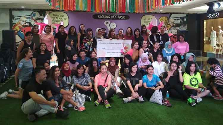 Hasil donasi yang terkumpul dari peserta Zumba for Hope. Copyright: © Rafika Amalia/INDOSPORT